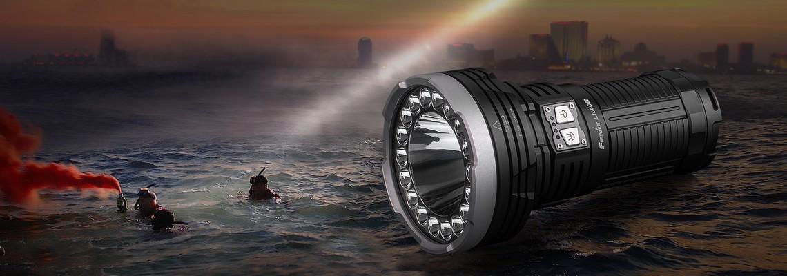 Fenix LR40R, la lampe la plus puissante pour la sécurité et la recherche