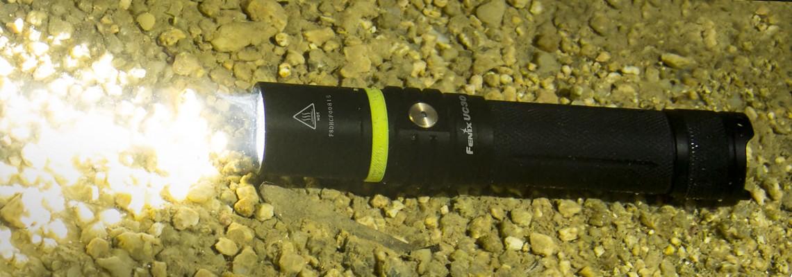 Fenix UC30 lampe EDC rechargeable et ultra-compacte