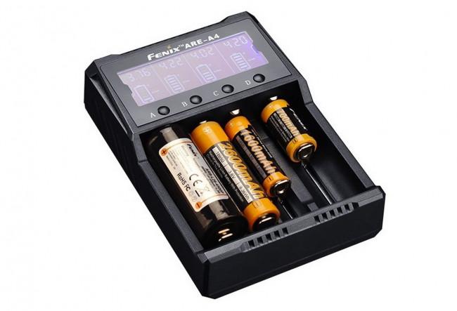 Fenix ARE-A4 Chargeur de batterie intelligent à 4 canaux